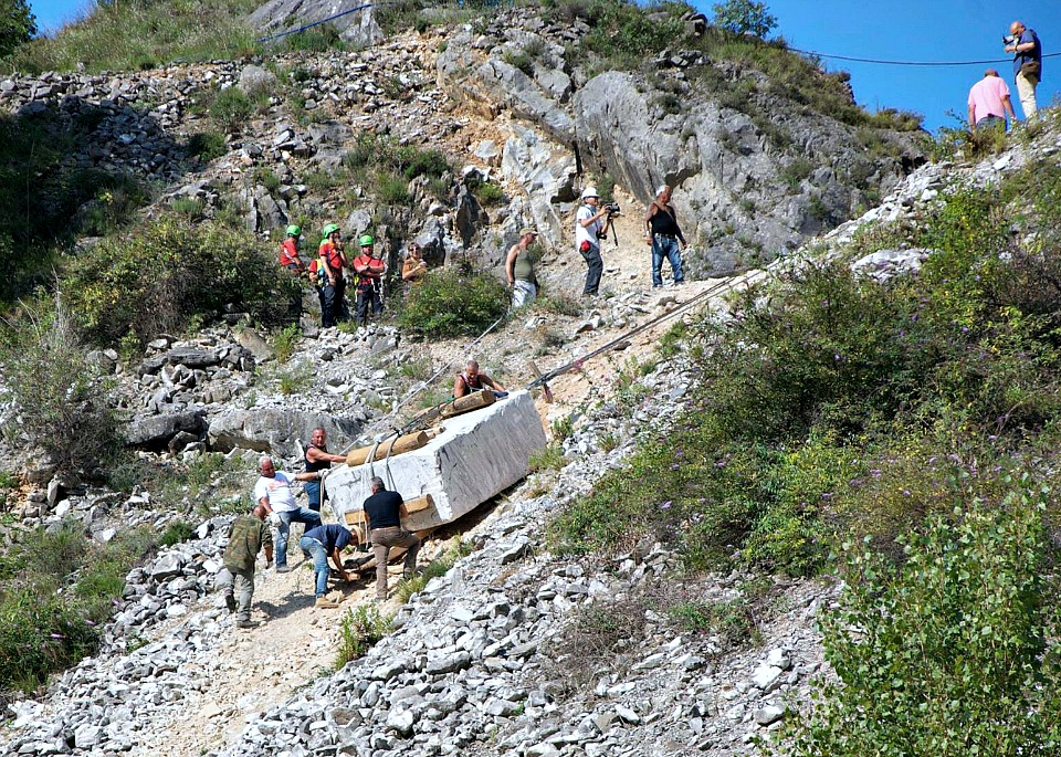 Carrara Marble Quarries Delicious Italy