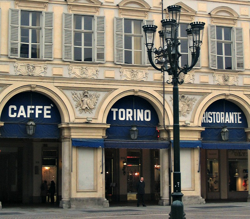 Top turin coffee bars delicious italy for Bar maison torino