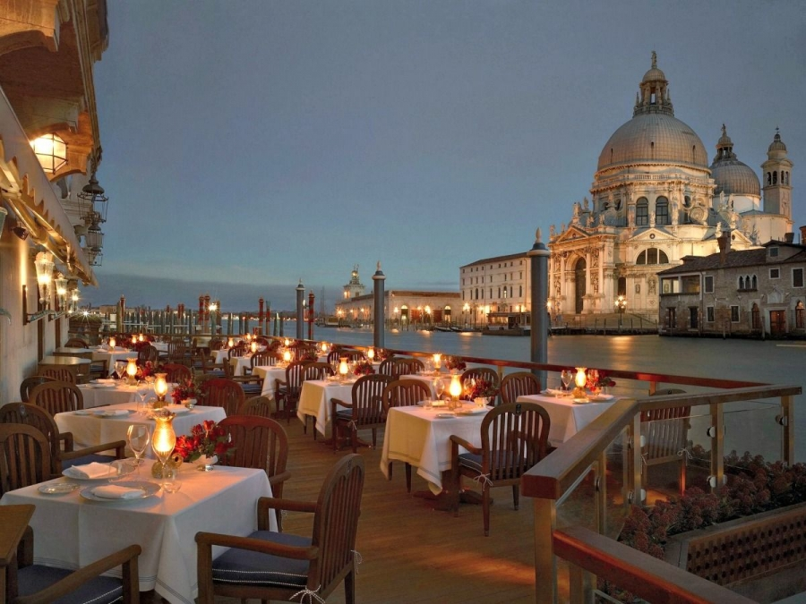 Restaurant club del doge venice delicious italy for Hotel terrace and restaurant