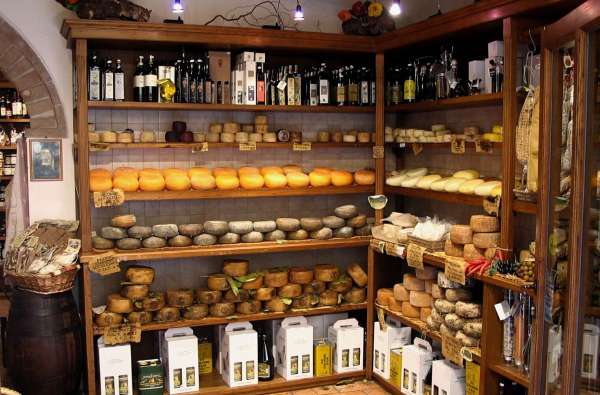 Cheese shop in Pienza