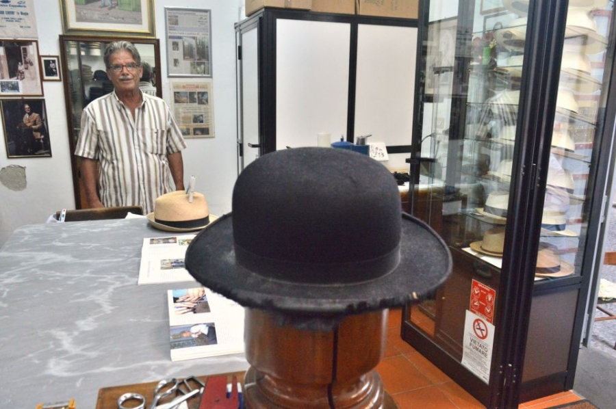 The Last Hat Maker along the Amalfi Coast - Delicious Italy 008ca0180da6