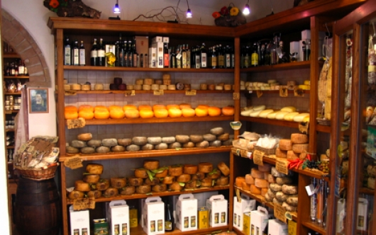 Pecorino cheese shop in Pienza